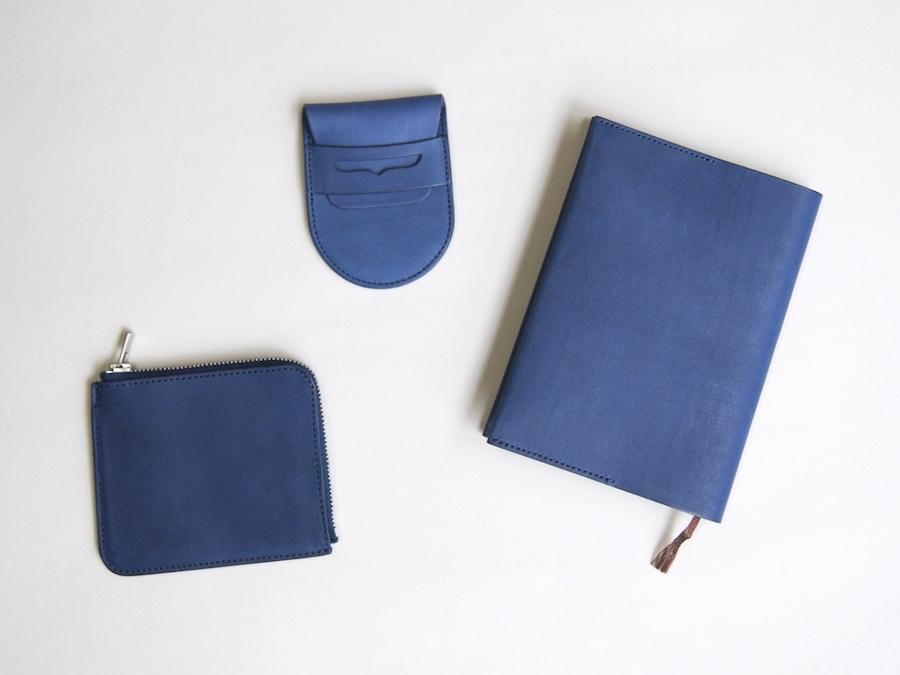 【フェア】新色ネイビー先行発売! 素材選び、裁断、縫製、仕上げまで……すべての工程を一人で手がける革小物〈REEL〉in SPBS